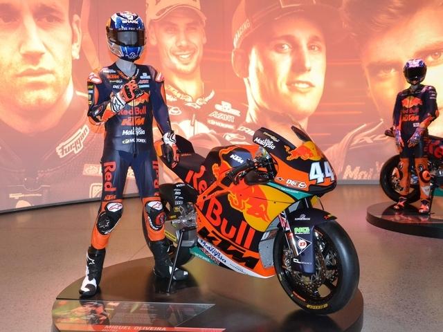Met een echte Moto2 motorfiets de Red Bull Ring op